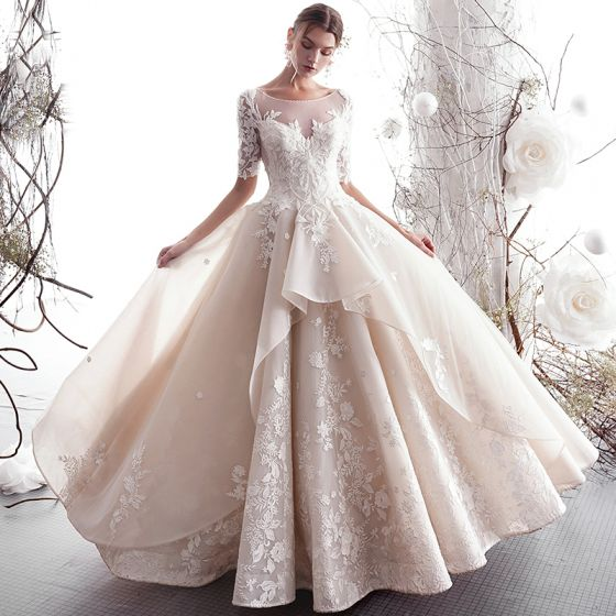 Luxus / Herrlich Champagner Brautkleider / Hochzeitskleider 2019 A Linie Rundhalsausschnitt Perlenstickerei Spitze Blumen 1/2 Ärmel Rückenfreies Lange