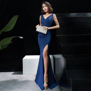 Uroczy Granatowe Sukienki Wieczorowe 2019 Syrena / Rozkloszowane Frezowanie Cekiny Podział Przodu V-Szyja Bez Rękawów Bez Pleców Trenem Sweep Sukienki Wizytowe