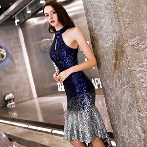 Seksowne Granatowe Sukienki Koktajlowe 2019 Syrena / Rozkloszowane Cekiny Posiadacz Bez Pleców Bez Rękawów Asymetryczny Sukienki Wizytowe