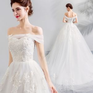 Affordable White Wedding Dresses 2019 A-Line / Princess Off-The-Shoulder Short Sleeve Backless Appliques Lace Crossed Straps Chapel Train Ruffle
