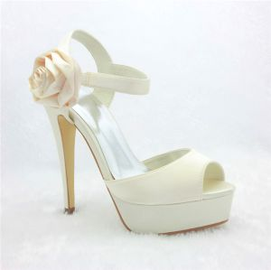 Beautiful Ivory Bridal Shoes Stilettos Platform Sandals With Flower