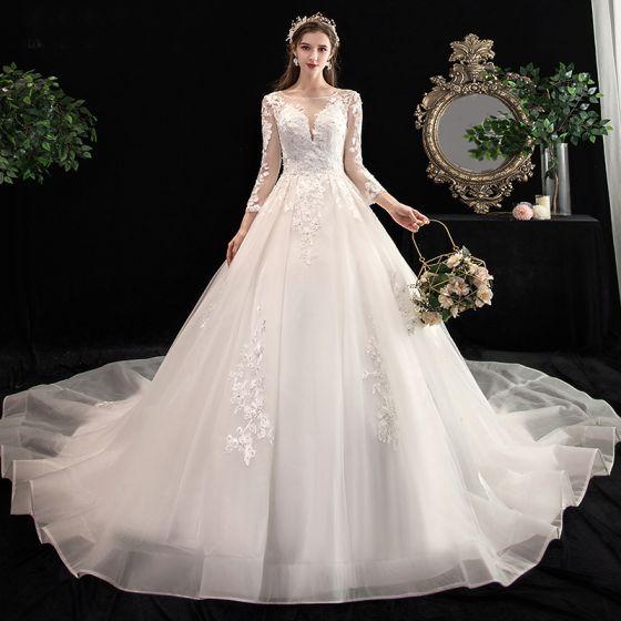 Fabuleux Ivoire Robe De Mariée 2020 Princesse Encolure Dégagée Perle Faux Diamant En Dentelle Fleur 3/4 Manches Dos Nu Cathedral Train
