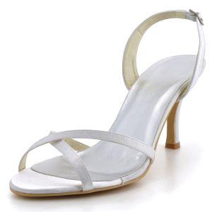Les Nouvelles Sangles Croisees Minimalistes Satin Chaussures De Mariage