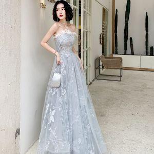 Chic / Belle Gris Robe De Soirée 2020 Princesse Bustier Sans Manches Appliques Paillettes Plumes Glitter Fleur Longue Volants Dos Nu Robe De Ceremonie