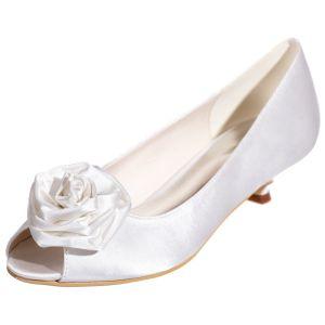 Elegancka Białe Na Wesele Buty Ślubne 2020 Satyna Kwiat 3 cm Niski Obcas Peep Toe Ślub Czółenka