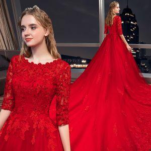Schöne Rot Brautkleider / Hochzeitskleider 2019 A Linie Rundhalsausschnitt Perlenstickerei Kristall Spitze Blumen 1/2 Ärmel Königliche Schleppe