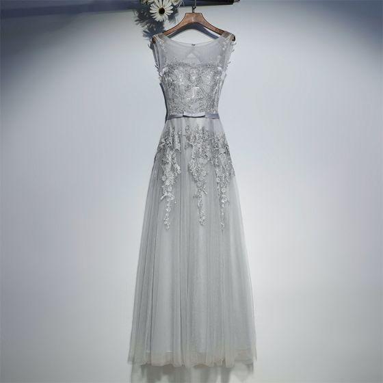 Elegantes Gris Vestidos para bodas 2017 De Encaje Flor Bowknot Scoop Escote Sin Mangas La altura del tobillo Empire Vestidos De Damas De Honor