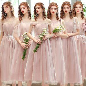 Niedrogie Rumieniąc Różowy Sukienki Dla Druhen 2020 Princessa Bez Pleców Aplikacje Z Koronki Długość Herbaty Wzburzyć