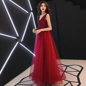 Chic / Belle Bordeaux Robe De Soirée 2019 Princesse V-Cou Sans Manches Perlage Cristal En Dentelle Fleur Dos Nu Longue Robe De Ceremonie