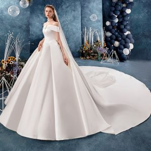 Modest / Simple Ivory Wedding Dresses 2019 A-Line / Princess Off-The-Shoulder Short Sleeve Backless Royal Train