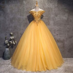 Vintage / Retro Gold Prom Dresses 2018 Ball Gown Off-The-Shoulder Short Sleeve Beading Crystal Rhinestone Floor-Length / Long Ruffle Backless Formal Dresses