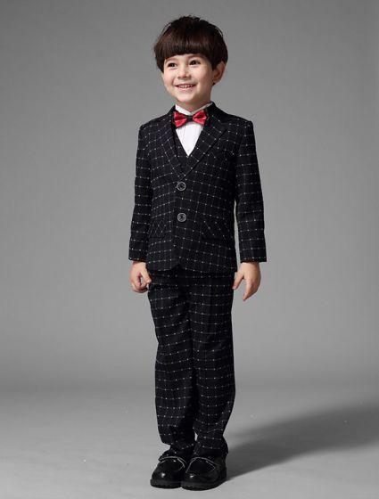 3eab131696b2 Pojkar Svarta Kostymer Med Vit Rutig Barn Dräkter 4 Uppsättningar Med Röd  Fluga