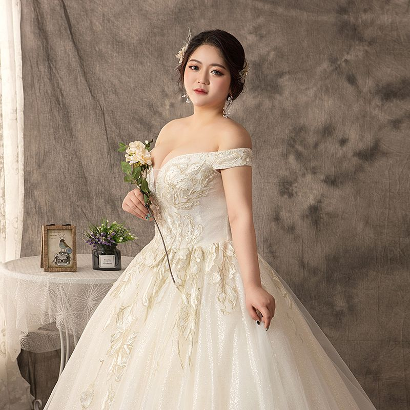 Luxury / Gorgeous White Ball Gown Plus Size Wedding Dresses 2019 Lace Tulle Appliques Backless Beading Handmade  Sweetheart Chapel Train Wedding