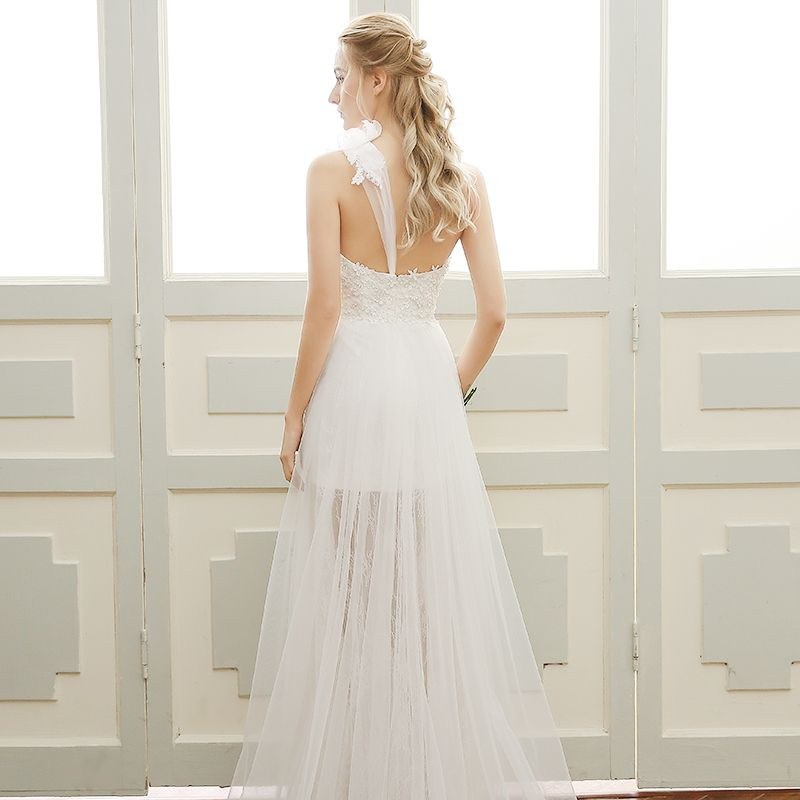 Chic / Beautiful Beach Wedding Dresses 2017 Lace Appliques Flower Backless Sweetheart One-Shoulder Sleeveless Floor-Length / Long White Sheath / Fit