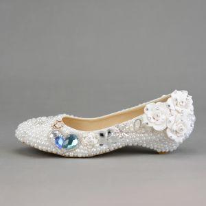 Mode Ivory / Creme Brautschuhe 2019 Hochzeit Perle Kristall Strass Applikationen Runde Zeh Low Heel Pumps