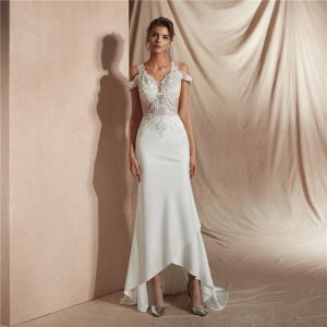 Affordable Ivory Satin See-through Bridal Wedding Dresses 2020 Trumpet / Mermaid V-Neck Short Sleeve Appliques Lace Beading Sweep Train Ruffle