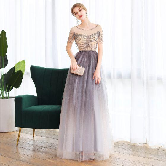 Elegante Violett Tanzen Ballkleider 2020 A Linie Durchsichtige Rundhalsausschnitt Kurze Ärmel Perlenstickerei Glanz Tülle Lange Rüschen Rückenfreies Festliche Kleider