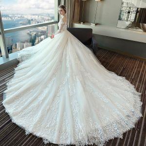 Schöne Weiß Brautkleider 2018 Ballkleid Mit Spitze Applikationen Perle Rundhalsausschnitt Rückenfreies 1/2 Ärmel Königliche Schleppe Hochzeit