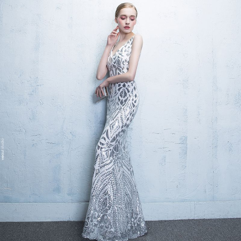 Chic / Beautiful 2017 Fall Spring Summer Winter Trumpet / Mermaid Court Train Tulle Beach Outdoor / Garden Sleeveless Ivory Zipper Up V-Neck Embroidered Evening Dresses