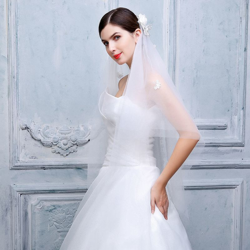 Chic / Beautiful 2017 Evening Party White Appliques Tulle Wedding Veils