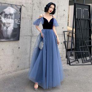 Schöne Königliches Blau Wildleder Abendkleider 2020 A Linie Spaghettiträger Kurze Ärmel Lange Rüschen Rückenfreies Festliche Kleider