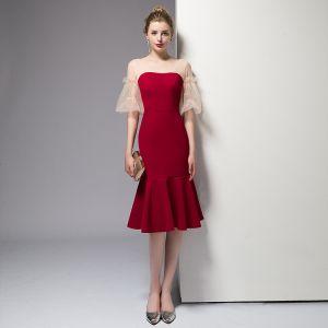 Chic / Belle Rouge de retour Robe De Graduation 2020 Trompette / Sirène Manches Courtes V-Cou Dos Nu Mi-Longues Robe De Ceremonie