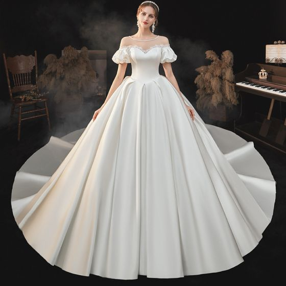 High-end Elegant Ivory Satin Wedding Dresses 2021 Ball Gown Pearl Scoop Neck Short Sleeve Backless Royal Train Wedding