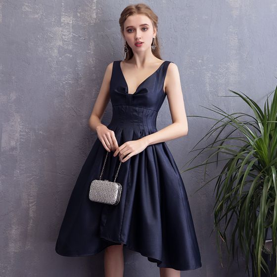 Chic / Beautiful Navy Blue Homecoming Graduation Dresses 2018 A-Line / Princess Backless V-Neck Sleeveless Short Formal Dresses
