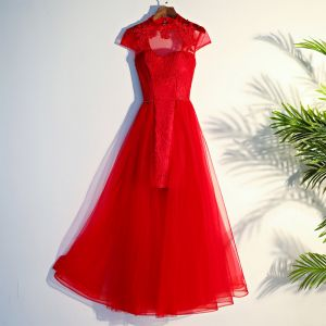 Chinese style Red Evening Dresses  2017 A-Line / Princess Crossed Straps Appliques Lace Flower Beading High Neck Short Sleeve Tea-length Evening Party