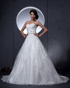 Taffeta Beading Applique Sweetheart Chapel A-line Bridal Gown Wedding Dress