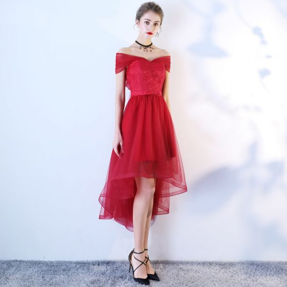 Chic / Beautiful Burgundy Cocktail Dresses 2019 A-Line / Princess Off-The-Shoulder Lace Flower Bow Short Sleeve Asymmetrical Formal Dresses