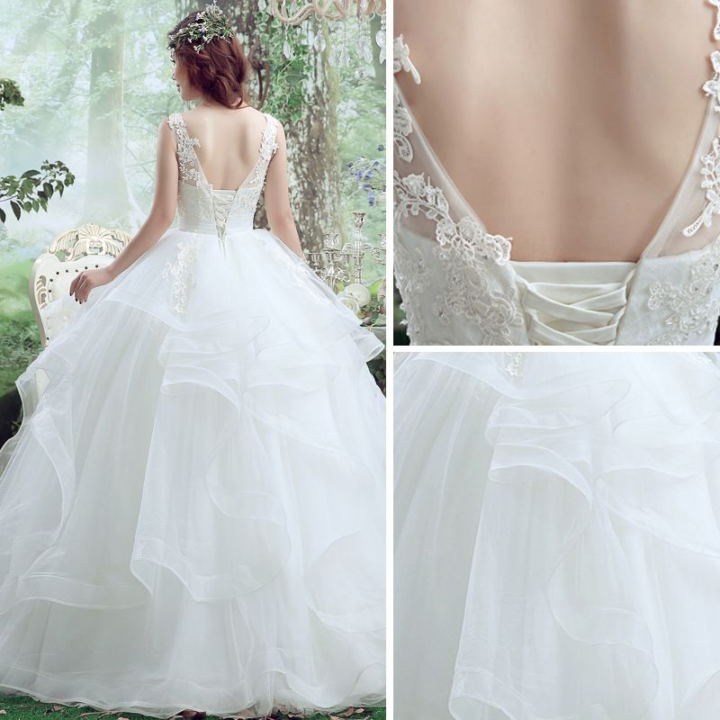 Chic / Beautiful Outdoor / Garden Wedding Dresses 2017 White Ball Gown Floor-Length / Long Scoop Neck Sleeveless Backless Pierced Lace Appliques Beading Pearl Sequins
