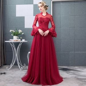 Chic / Beautiful Burgundy Prom Dresses 2018 A-Line / Princess Lace Appliques Beading Crystal Scoop Neck Backless Long Sleeve Floor-Length / Long Formal Dresses