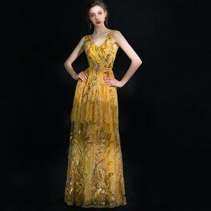 Luxus / Herrlich Glitzernden Gold Lange Abendkleider 2018 A Linie V-Ausschnitt Tülle Rückenfreies Handgefertigt Perlenstickerei Pailletten Abend Festliche Kleider