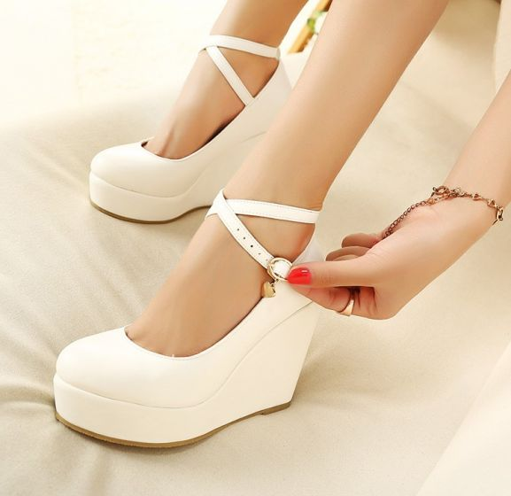 Modest / Simple Ivory Casual Womens Shoes 2018 Ankle Strap 10 cm Wedges Round Toe