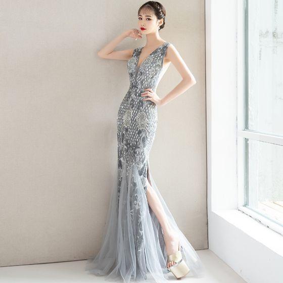 Charmant Grau Abendkleider 2019 Meerjungfrau Spitze Blumen Kristall Pailletten V-Ausschnitt Ärmellos Rückenfreies Lange Festliche Kleider