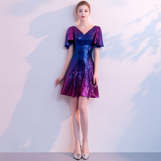 Błyszczące Bling Bling Gwiaździste Niebo Multi-Kolory Krótkie Sukienki Koktajlowe 2018 V-Szyja Frezowanie Bez Pleców Cekiny Poliester Homecoming Sukienki Na Studniówke