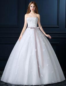 Vakre Stroppeløs Applique Hvit Brudekjole Med Sløyfe Sash