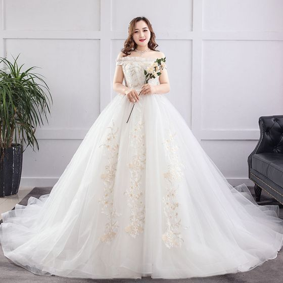 Amazing / Unique White Plus Size Ball Gown Wedding Dresses 2019 Lace Tulle  Appliques Backless Embroidered Strapless Chapel Train Wedding