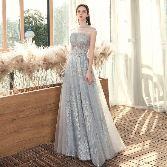 Erschwinglich Grau Durchsichtige Abendkleider 2020 A Linie Stehkragen Ärmellos Perlenstickerei Pailletten Lange Rüschen Rückenfreies Festliche Kleider