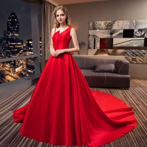 Modest / Simple Red Wedding Dresses 2019 A-Line / Princess Sleeveless Royal Train