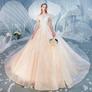 Snygga / Fina Champagne Bröllopsklänningar 2019 Balklänning Urringning Unika Korta ärm Halterneck Glittriga / Glitter Tyll Cathedral Train Ruffle