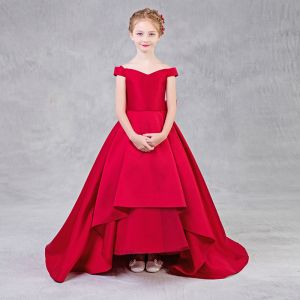 Modest / Simple Red Flower Girl Dresses 2018 A-Line / Princess Off-The-Shoulder Short Sleeve Backless Bow Sweep Train Ruffle Wedding Party Dresses
