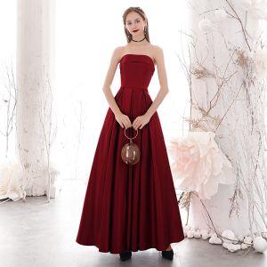 Élégant Bordeaux Robe De Soirée 2020 Princesse Bustier Sans Manches Dos Nu Longue Robe De Ceremonie