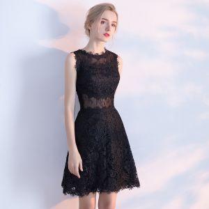 Piękne Czarne Sukienki Na Studniówke 2017 Princessa U-Szyja Koronkowe Aplikacje Bez Pleców Homecoming Sukienki Wizytowe