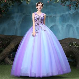 Vintage / Retro Quinceañera Lavender Prom Dresses 2018 Ball Gown Appliques Lace V-Neck Backless Sleeveless Floor-Length / Long Formal Dresses