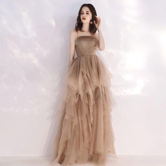 Niedrogie Szampan Lato Sukienki Wieczorowe 2019 Princessa Plecy Bez Rękawów Długie Kaskadowe Falbany Bez Pleców Sukienki Wizytowe