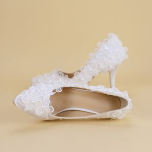 Affordable White Wedding Shoes 2019 Lace Flower Pearl 8 cm Stiletto Heels Pointed Toe Wedding Pumps