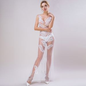 Sexy Weiß Durchsichtige Abendkleider 2018 Meerjungfrau V-Ausschnitt Ärmellos Applikationen Spitze Perlenstickerei Lange Rüschen Rückenfreies Festliche Kleider