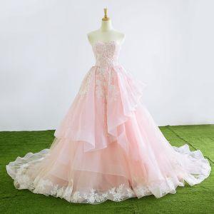Charmant Princesse Amoureux Sans Manches Rougissant Rose Organza Robe De Mariée 2017 Appliques En Dentelle Volants Tribunal Train